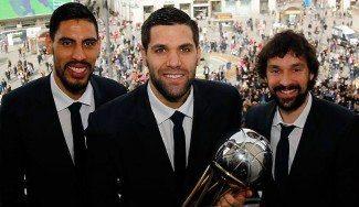 El Madrid celebra la Copa en las instituciones: Carmena y Cifuentes reciben a los campeones