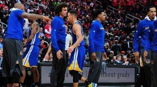 Curry ya enseña a Varejao el estilo de los Warriors. Gran triunfo en Atlanta (Vídeo)