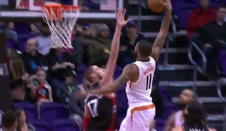 Los Raptors amargan el debut de Watson con los Suns. Matazo de Morris sobre Valanciunas