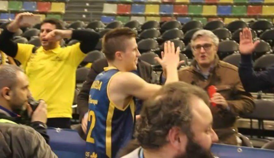 La celebración del Granca con la afición y el gesto del jugador del Depor Manuel Pablo (Vídeo)