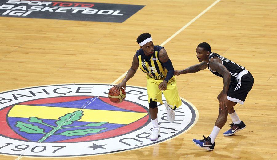 Bobby Dixon, sexto triple-doble en la historia de la Liga Turca. Tercero del Fenerbahçe