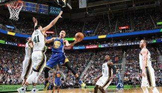 Sexta victoria con prórroga de los Warriors. En Utah, 31 de Curry y triple clave de Klay