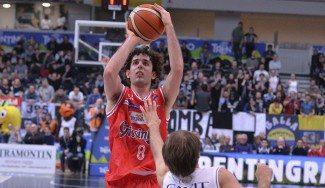 ¡6 triples en un cuarto! Della Valle, a lo Belinelli en el Trento-Reggio Emilia (Vídeo)