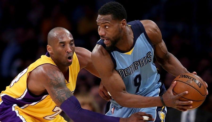Tony Allen demuestra a Kobe que también la sabe meter: ¡12/12 tiros! Pero cae derrotado