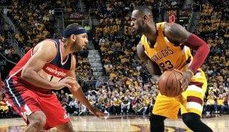 """¿Antídoto para los Warriors? LeBron pasa a jugar de ala-pívot: """"Ha funcionado muy bien"""""""