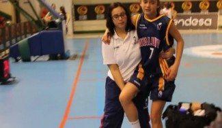 La hija de Navarro, Lucía, lesionada en el #Mini2016 que juega con la selección catalana. ¿Llegará a la semi? (Vídeo)