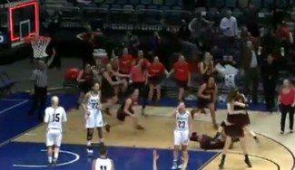Sobran las palabras: dos españolas de la NCAA, cerca del cuadro final. Así ganaron en cuartos (Vídeo)