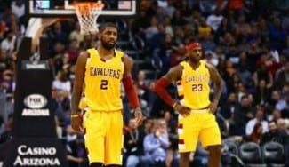 Calientan para playoffs: LeBron la mete de espaldas y 69 puntos junto a Irving (Vídeo)