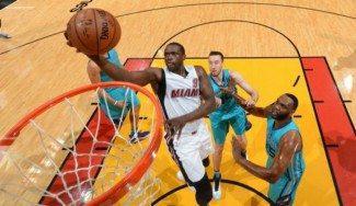 Los mejores Heat en unos playoffs destrozan a Charlotte. Deng y Whiteside, letales (Vídeo)