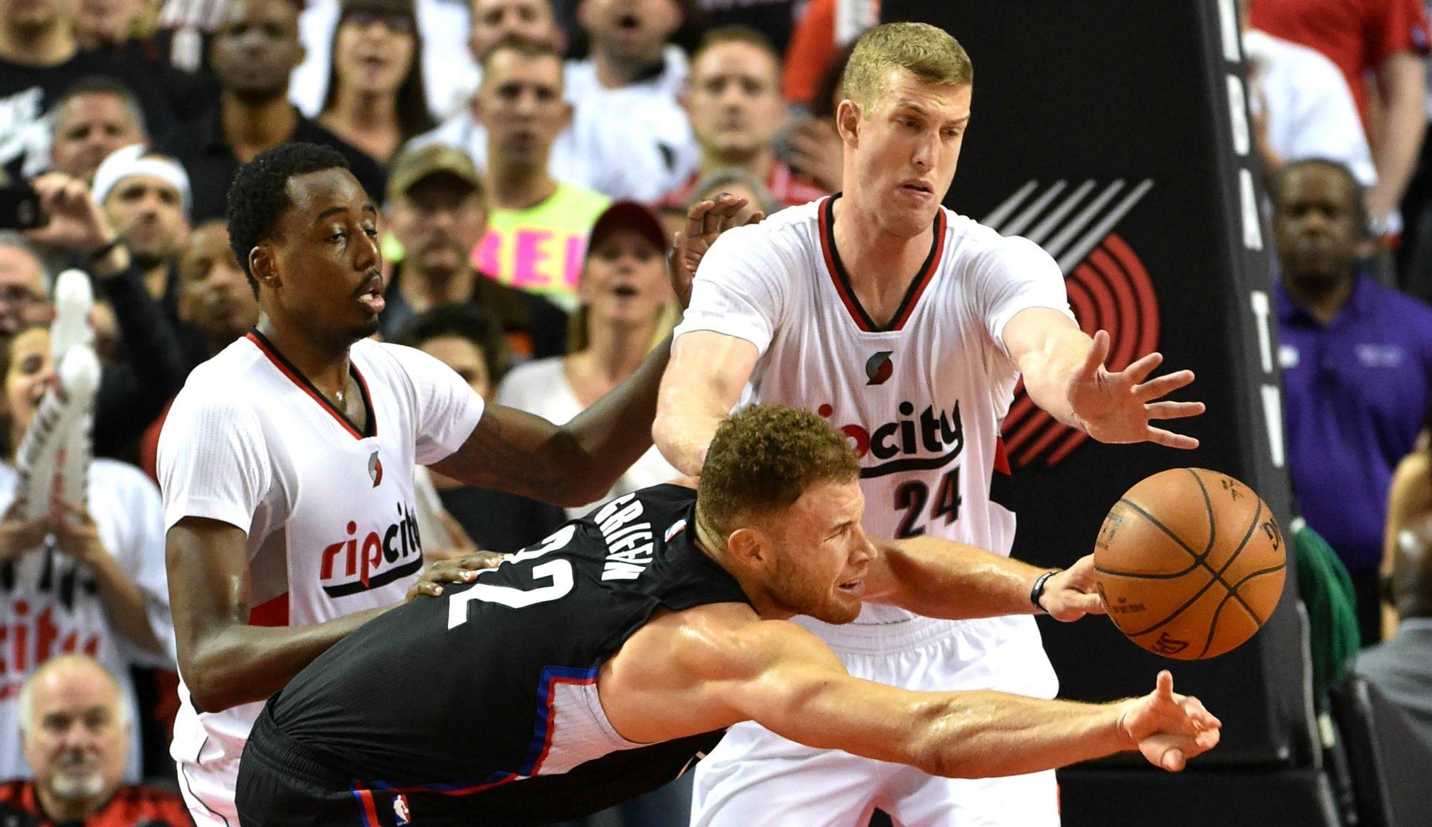 A la altura de Sabonis: Plumlee tumba a los Clippers junto a Lillard y McCollum (Vídeo)