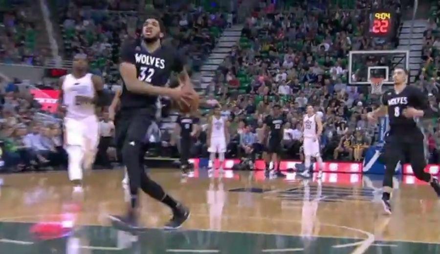 Hayward, demasiado para los Wolves. ¡Ricky se la da a Towns para que se luzca! (Vídeo)