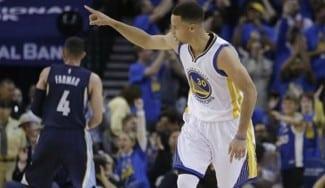 Los mejores de siempre: los Warriors baten el récord de los Bulls y Curry se supera (Vídeo)