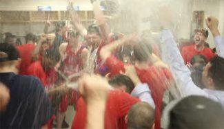¡Desmadre! La celebración del CSKA en el vestuario: discursos, champán y puros (Vídeo)