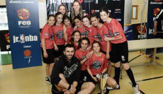 Tierno Galván se coloca el anillo en la primera edición de la liga Jr. NBA-FEB en Valladolid (Vídeo)
