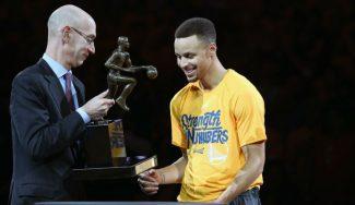 Curry celebra el MVP eliminando a los Blazers. Triple ganador marca de la casa (Vídeo)