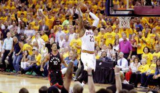 Vuelve el Big Three y los Cavs humillan a los Raptors. ¡Mísil de Love a LeBron! (Vídeo)