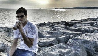 ¿Guiño blanco? Heurtel posa con una camiseta del Madrid aunque está «Efes 100%»
