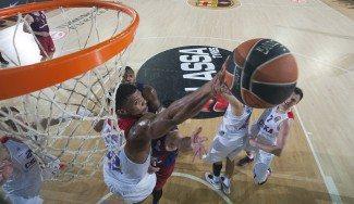 Kyle Hines, tercer jugador del CSKA en ser Mejor Defensor de Euroliga. Hanga, podio