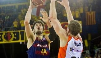El Barça arrasa al Fuenla con un descomunal Tomic. ¡Pase de mago a Perperoglou! (Vídeo)