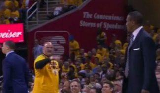 """Casey, resignado: """"Nos han dado una paliza"""". Se encara con un fan en pleno partido (Vídeo)"""