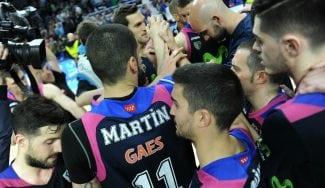 El Estu gana al Barça y sigue con vida: así se entera de la derrota del Manresa (Vídeo)