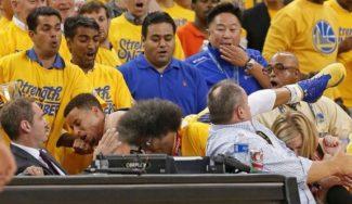 Aparece el MVP: Curry mete 15 puntos en dos minutos… ¡tras volar a la grada! (Vídeo)