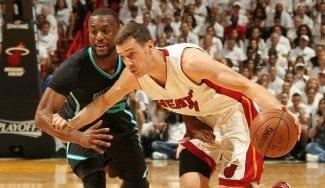 Dragic y Whiteshide meten a Miami en semis del Este ante la mirada de Jordan y Pippen
