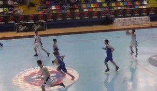 El CE empieza fuerte: triplazo desde su tiro libre de Quique Moreno (Lucentum)