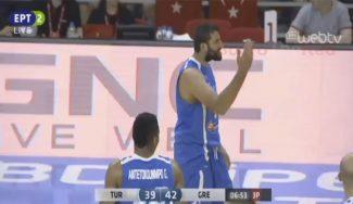 Bourousis, eliminado en la nueva victoria de Grecia a Turquía: técnica y cabreo (Vídeo)