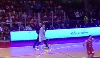 ¿Descuido o adrede? La zancadilla de Repesa a Polonara en la final de Italia (Vídeo)