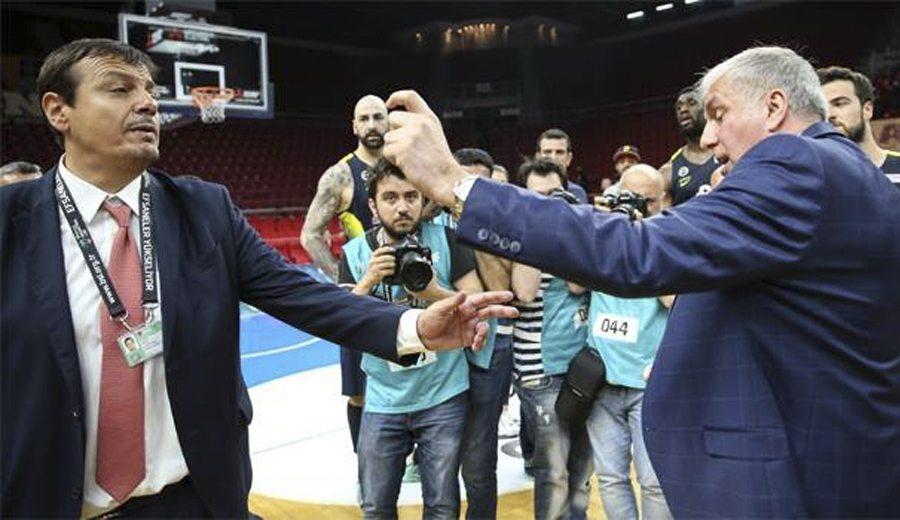 El Fenerbahçe, a la final turca. Discusión Zeljko-Ataman y guerra tuitera de clubes (Vídeo)