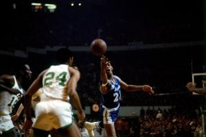 BOSTON - 1967: Elgin Baylor #22 of the Los Angeles Lakers shoots a layup against the Boston Celtics circa 1967 at the Boston Garden in Boston, Massachusetts. NOTE TO USER: User expressly acknowledges and agrees that, by downloading and/or using this Photograph, user is consenting to the terms and conditions of the Getty Images License Agreement. Mandatory Copyright Notice: Copyright 1967 NBAE (Photo by Dick Raphael/NBAE via Getty Images)