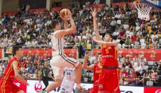 España remonta a Lituania y ya es líder. Miguel González acribilla al final. ¡Que espectáculo!