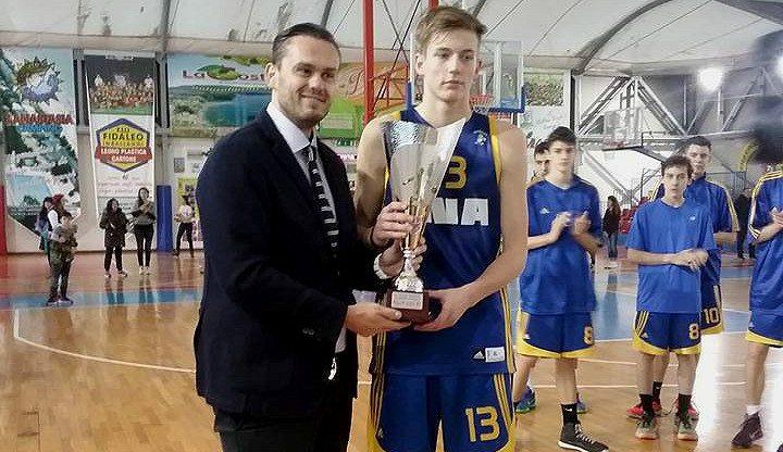 Luka Samanic, al Barça: croata de 15 años y 2.08 m. Así juega la sensación en Treviso (Vídeo)