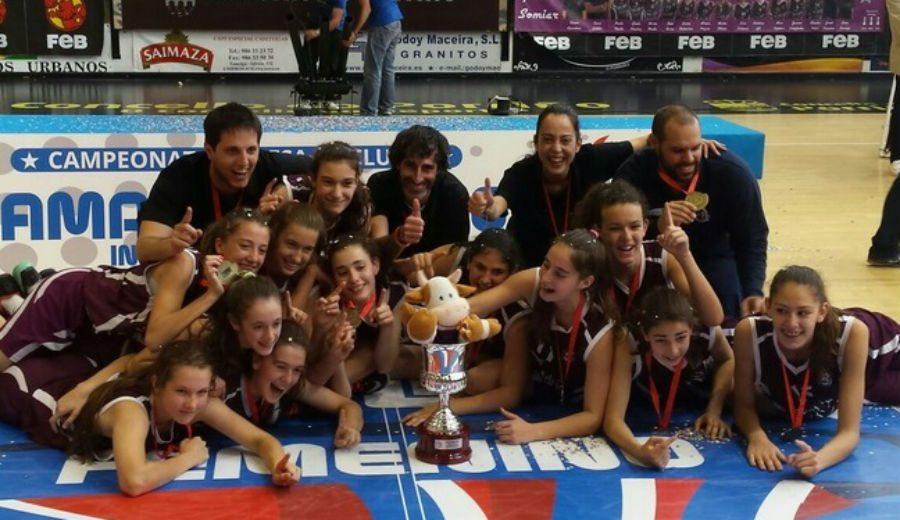 ¡Vaya éxito! Femení Sant Adrià, pleno de medallas en los Campeonatos Endesa. En el infantil, oro