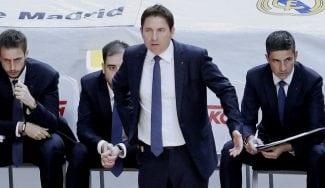 """Xavi Pascual: """"Algunos jugadores bajan un poco la cabeza cuando el Madrid anota"""""""