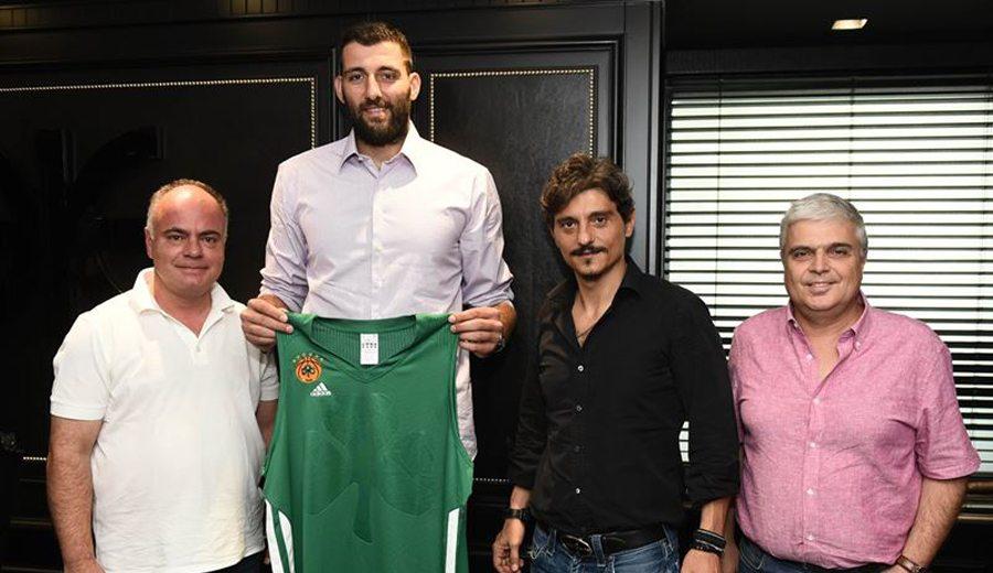 Bourousis vuelve a Grecia: reencuentro con el baskonista Mike James en el Panathinaikos