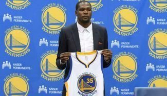 """Durant ya luce el 35 en los Warriors: """"Hablaré con Curry para ver qué espera de mí"""""""