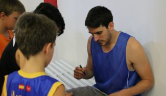 """¿Quién gana un K.O. a Suárez? El jugador del Unicaja, en Getafe: """"Éste es uno de los mejores Campus"""" (Vídeo)"""