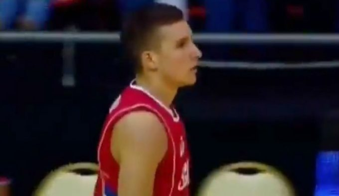 Serbia gana a Francia por tercera vez este verano: Bogdanovic, colosal con 29 puntos (Vídeo)