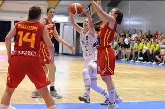 España comienza con triunfo su aventura en el Europeo Sub-18 Femenino. Revívelo aquí (Vídeo)