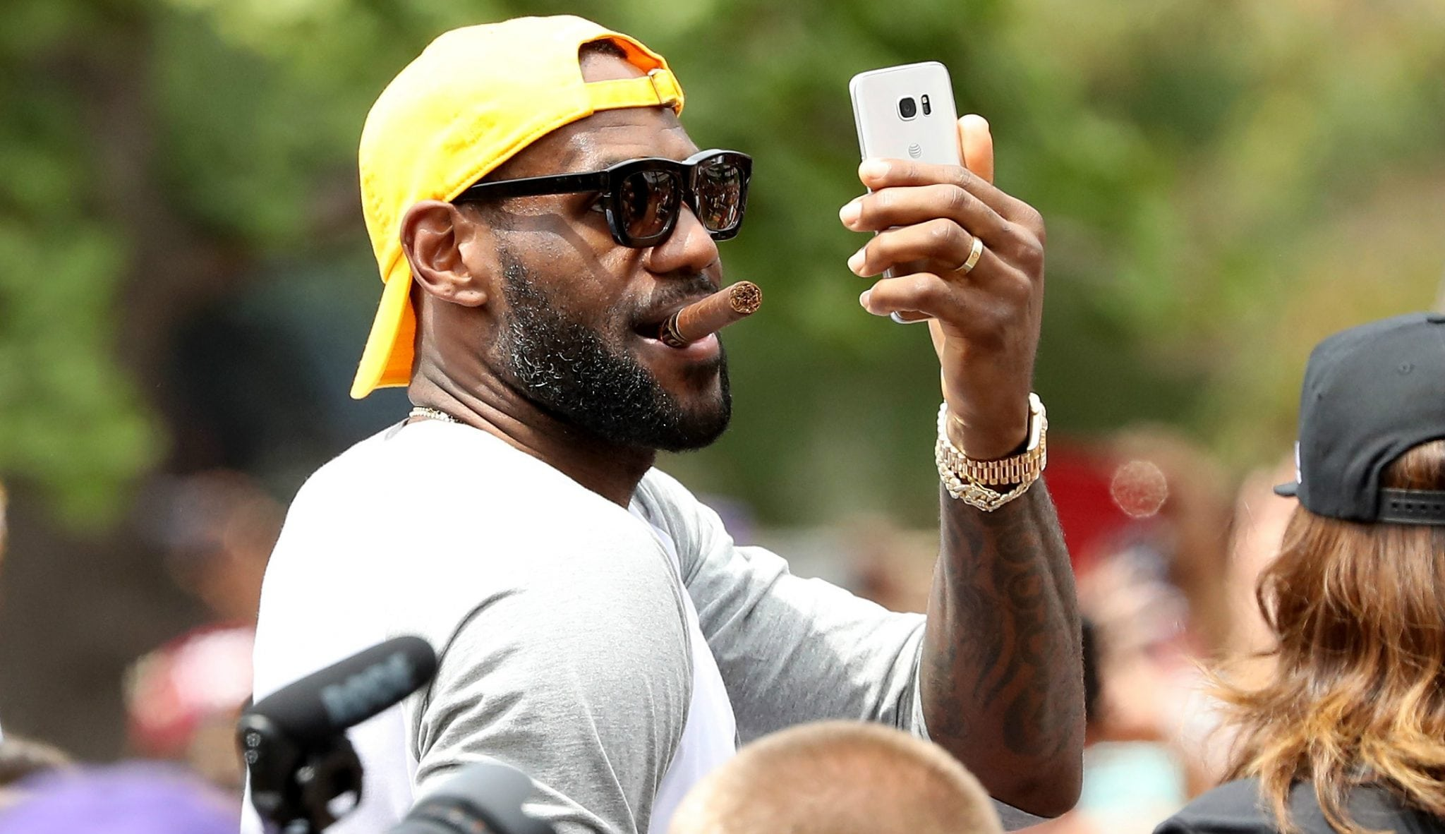 LeBron recuerda que Jordan no ganó los seis anillos él solo y desvela su sueño de futuro