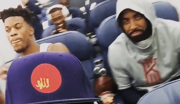 Irving y Butler dan el cante en el avión de USA: todos se ríen menos Carmelo (Vídeo)