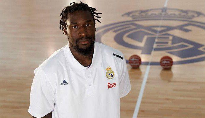 Por fin posa de blanco: el Madrid hace oficial el regreso de Othello Hunter a la Liga Endesa