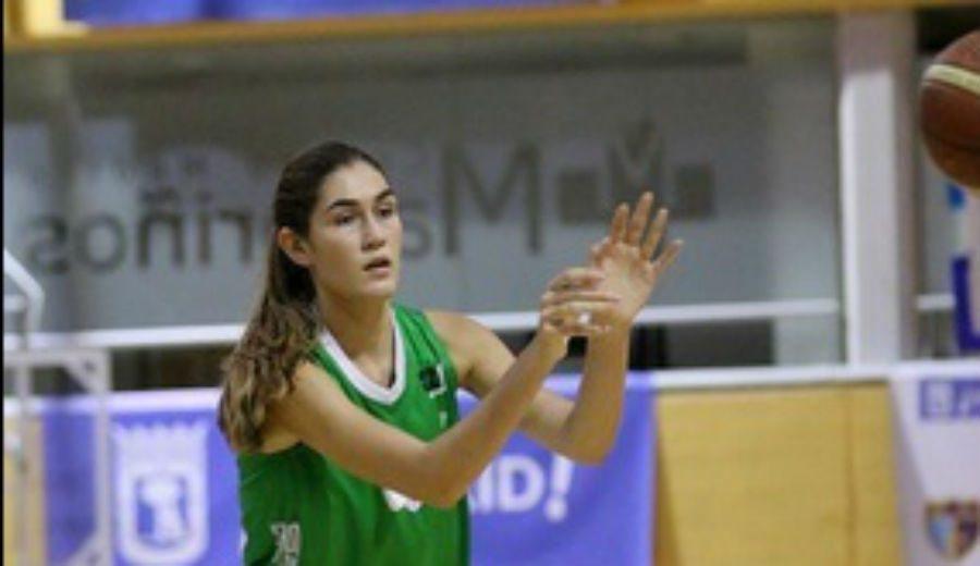 Merecida alegría: la junior María Martínez, con el Araski en LF tras superar una grave lesión