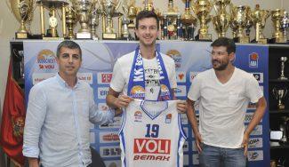 Nikolic, de la cantera del Joventut a igualar el récord taponador de la Liga Adriática (Vídeo)