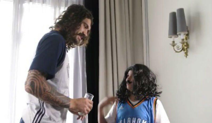 Crack: el joven Guillermo entrevista a Adams antes del Madrid-Thunder y le enseña español (Vídeo)