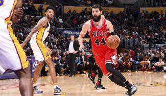 Mirotic se luce en el triunfo de los Bulls ante los Lakers, con Butler a lo Jordan (Vídeo)