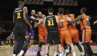 Batalla australiana: Maric coge del cuello a un rival y Lisch mete la canasta ganadora (Vídeo)