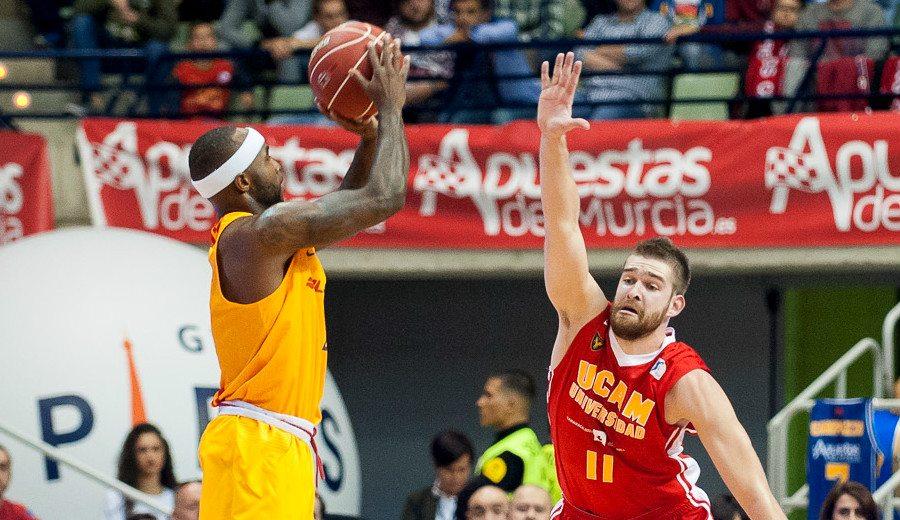 Rice y Koponen disparan al Barça en Murcia: Holmes tapona y caño de Campazzo (Vídeos)